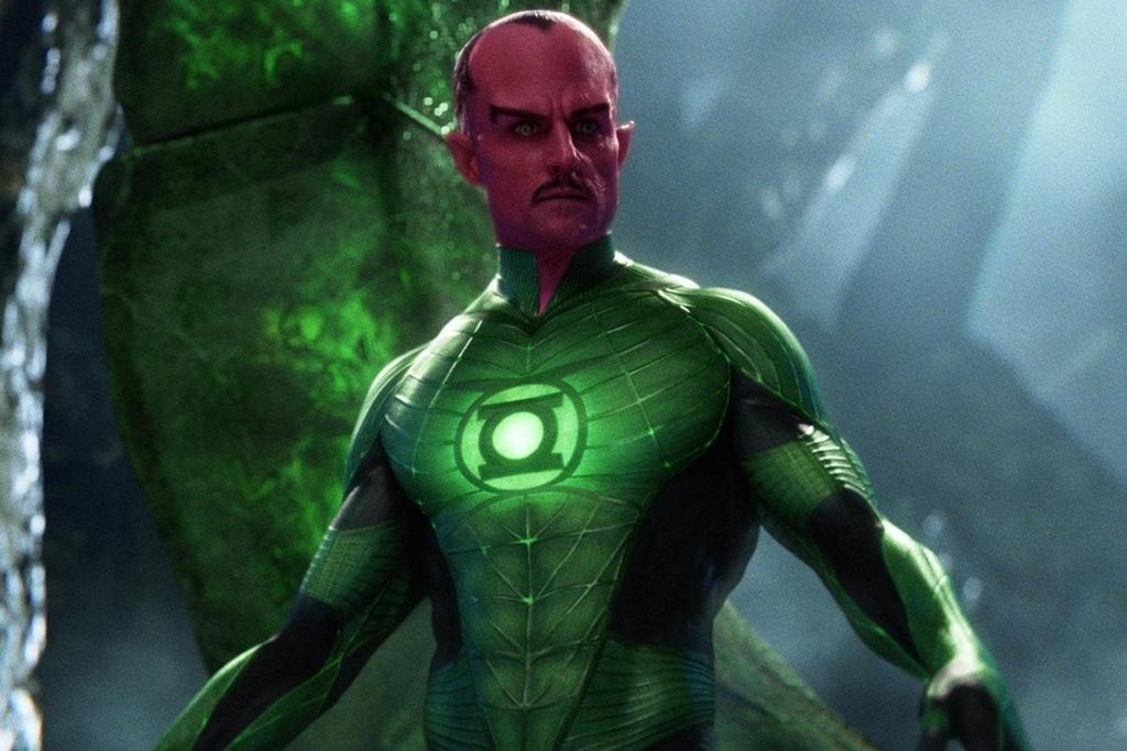 Mark Strong è Sinestro in una scena del film Green Lantern