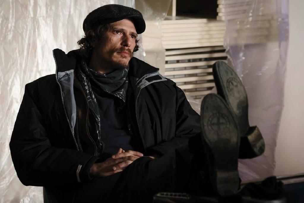 Matteo Martari in una scena della serie tv L'alligatore