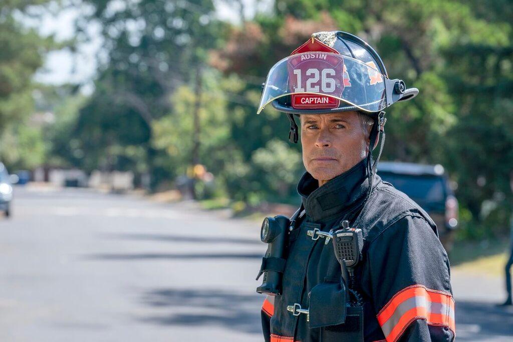 Rob Lowe in una scena della serie 9-1-1: Lone Star