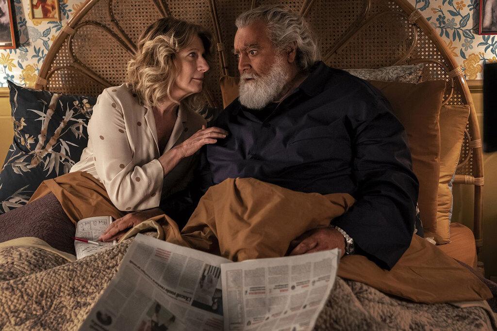 Angela Finocchiaro e Diego Abatantuono in una scena del film Il mammone