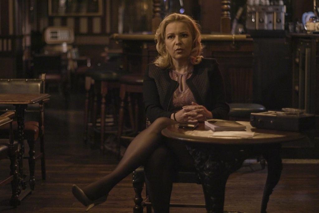 Eva Mikula in una scena della docu-serie La banda della Uno Bianca