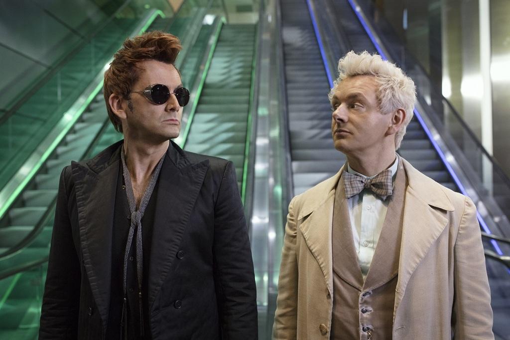 David Tennant e Michael Sheen in una scena della serie Good Omens
