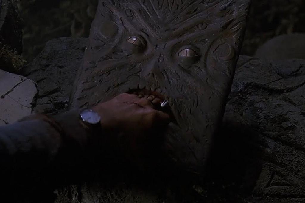Il Necronomicon in una scena del film L'armata delle tenebre