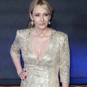 J. K. Rowling truffata dalla sua assistente: ecco quanto le ha sottratto