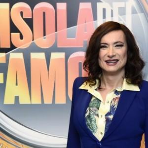 Caso Insinna, Luxuria: 'La tv è piena di finti simpatici'