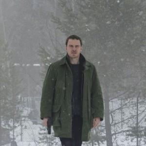 L'uomo di neve: le agghiaccianti (in tutti i sensi) immagini del thriller con Michael Fassbender