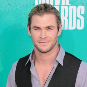 Chris Hemsworth diventa Aquaman grazie all'artista BossLogic: ecco la foto