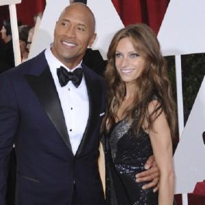 Golden Globe 2018, anche gli attori sfileranno in nero: lo conferma Dwayne Johnson