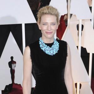 Tanti auguri a Cate Blanchett: icona di stile e di eleganza senza tempo