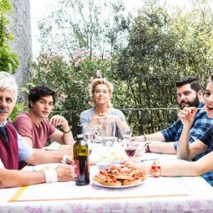 Puoi baciare lo sposo: le immagini del divertente film italiano