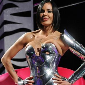 Nina Moric: la modella croata che non le manda mai a dire. Ecco chi è