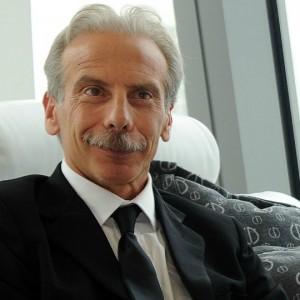 Giovanni Storti: la passione per l'Inter e per il tai chi. Scopri tutte le curiosità