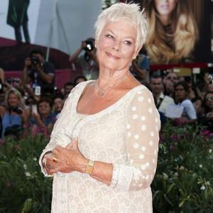 Un Oscar vinto e la passione per il teatro: scopri tutte le curiosità su Judi Dench