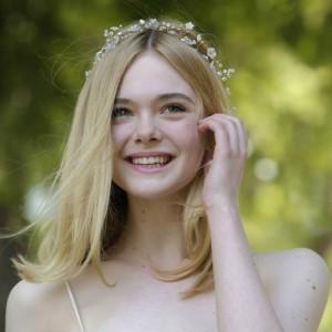 Elle Fanning: ecco chi è l'attrice e sorella di Dakota