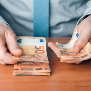 Come risparmiare: 4 trucchi e consigli facili per risparmiare soldi