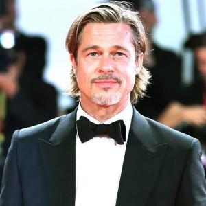Brad Pitt e Nicole Poturalski si sono lasciati, l'attore ritorna single