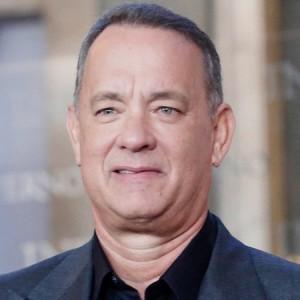 Tom Hanks l'attore poliedrico di Hollywood: quante storie raccontate dal suo volto